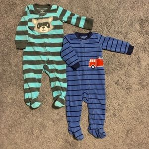 2 Carter's Fleece PJs size 9 months
